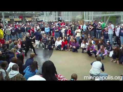 Official Meet Minneapolis Flash Mob @ Target Field Video