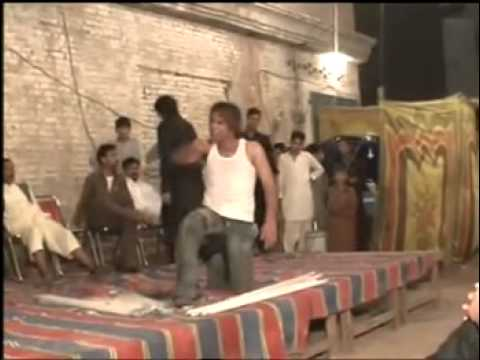 A Crazy Pakistani Wedding Break Dancer! Watch  1:10 video
