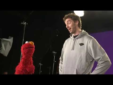 Pau Gasol Takes a Trip to Sesame Street on Inside Stuff