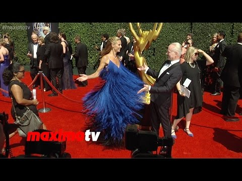 Heidi Klum Fashion Spins! | 2014 Primetime Creative Arts Emmy Awards | Red Carpet