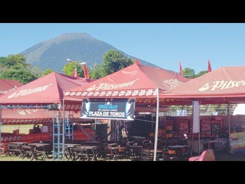 Desde la Plaza de Toros San Miguel El Salvador feria ganadera   pata de chucho