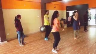 Tukur Tukur FULL VIDEO Song | Dilwale 2015 | Shahrukh Khan & Kajol | Varun & Kriti !