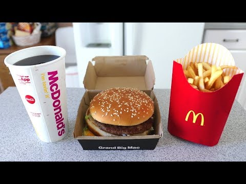 Cover Lagu The FASTEST Grand Mac Meal Ever Eaten (under 1 Minute!!)