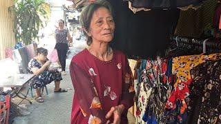 Mua đồ Giáng sinh Noel biếu cụ Dục 90 tuổi bán rau Chợ Nhật Tảo