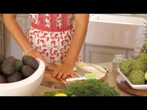 Greek Cucumber, Sour Cream & Garlic Sauce : Greek Cooking