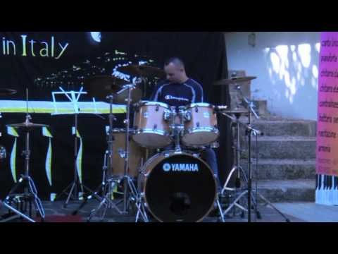 Raffaele Scalise alla batteria in un brano (cover) dei Queen – I want to break free