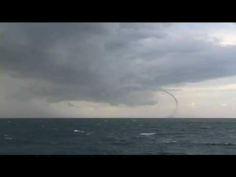 Tornado - Orkan Auf See