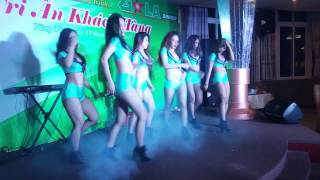 DANCE ★ HOT GIRLS PERFORMANCE with CRAZY sexy dance ★ EXTREMELY SEXY