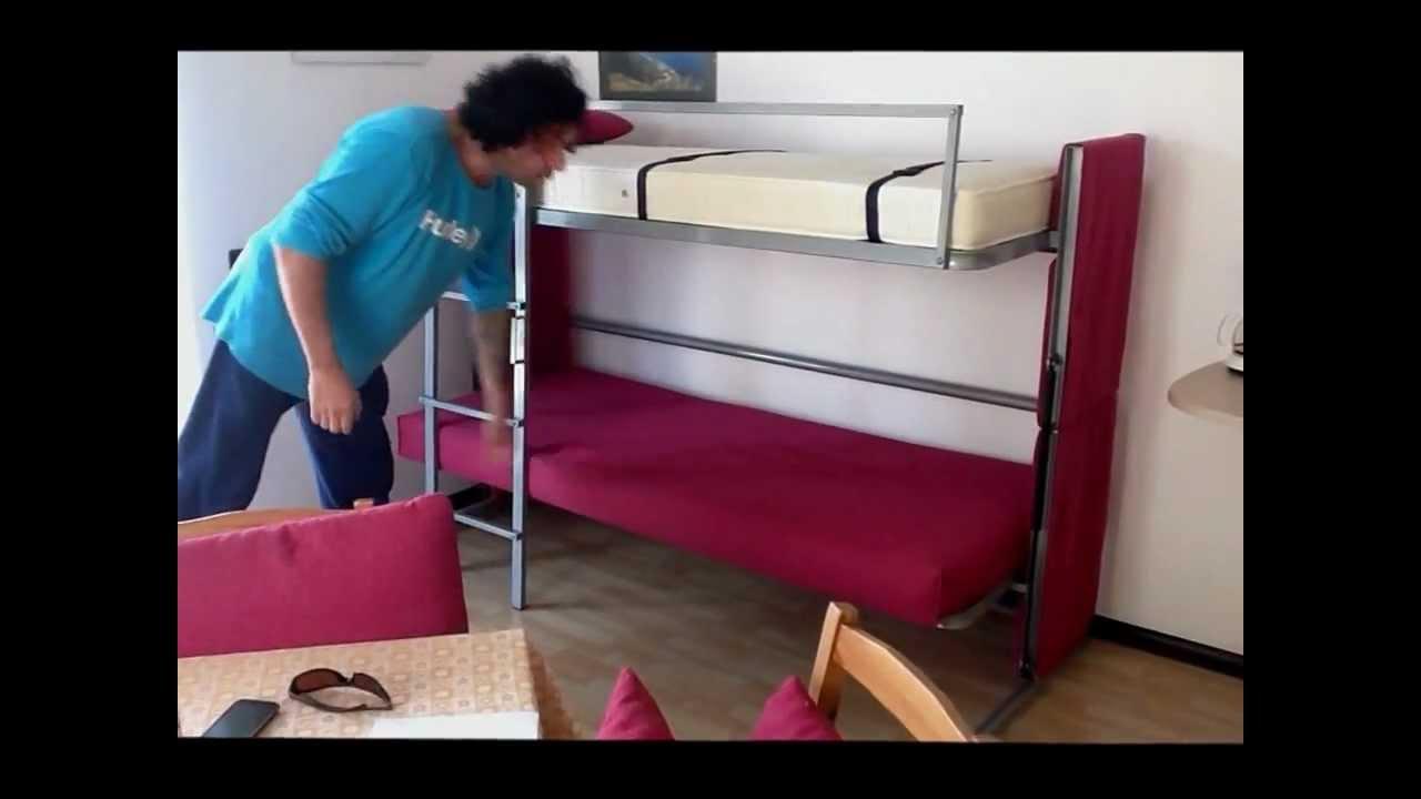 Arredamento casa vacanze Malcesine divano trasformabile - YouTube