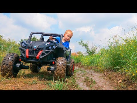 Arthur ride on power wheels car toy and stuck in the ground / Melissa tows car