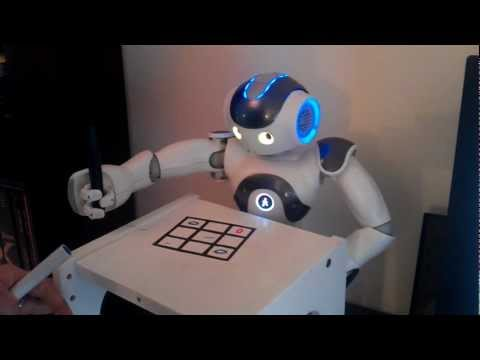 NAO Robot plays TicTacToe with human