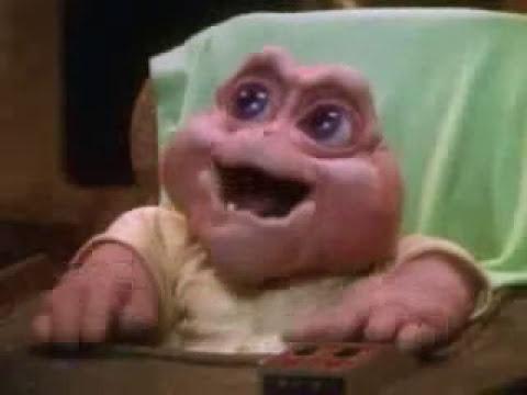 El nene consentido de los Dinosaurios.- NO la mamá
