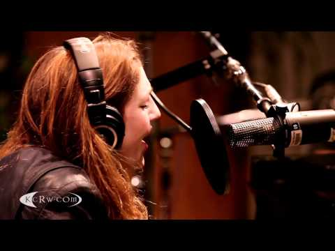 Birdy performing 