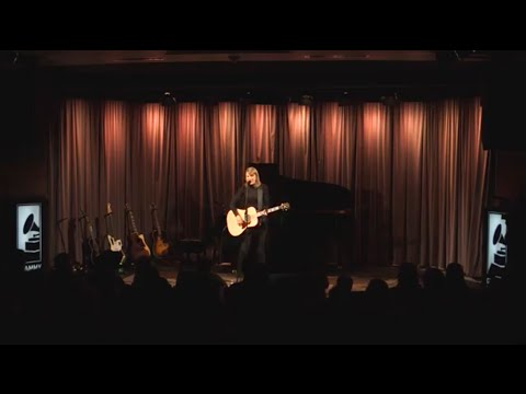 Taylor performs Blank Space at The GRAMMY Museum