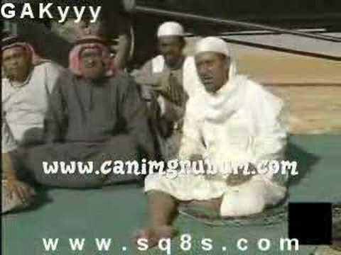 Crazy arab people panic over snake