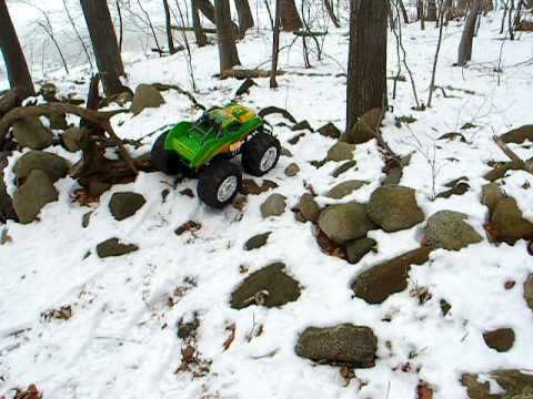FAST LANE WILD FIRE MONSTER RC TRUCK STEEP HILL AND ROCK WALL. ICE AND SNOW TESTS