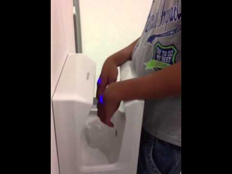 Public Toilet In Japan video