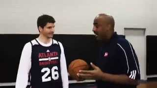Kyle Korver giving tips on how to be a good 3 point shooter (Inside Stuff)