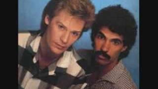 Watch Hall & Oates I Cant Go For That video