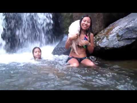 4 Sexy Thai Girls In Bikini Adventure To Hin Lad Waterfall น้ำตกหินลาด On Koh Samui, video
