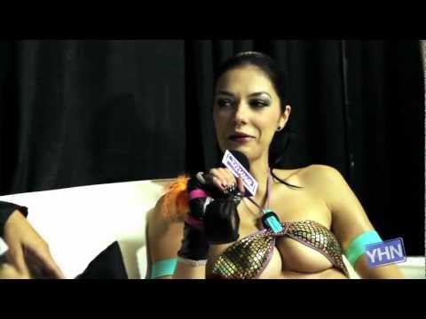 Adrianne Curry Wears Sexiest Costume Ever At Comic-Con!