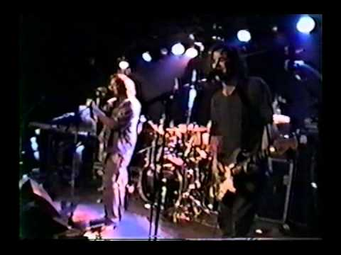 Ween - Pumpin 4 The Man, Old Queen Cole, Sketches of Winkle 9/6/00 Paris, France @ La Bulle Noir