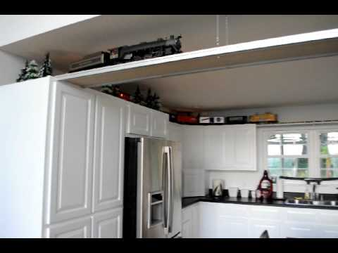 G Scale Ceiling Train Aristocraft 4-6-2 PRR Pacific (Video 2)
