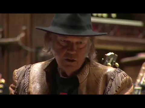 Neil Young blasts tar sands & Harper government