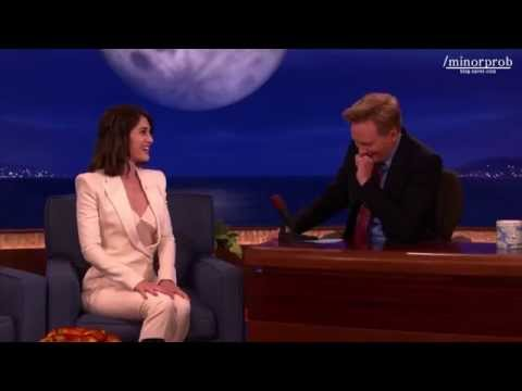 Lizzy Caplan Relives Her First masters Of Sex Love Scene (korean Sub) video