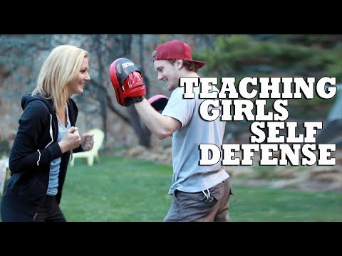 Teaching Cute Girls Self Defense Techniques Image 1