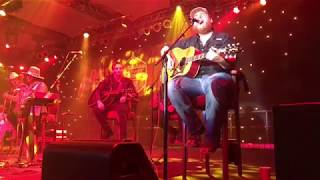 """Download Lagu Luke Combs """"Must've Never Met You"""" (941 KMPS New Country Class of 2017) Gratis STAFABAND"""