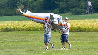 UNUSUAL RC MODEL AIRPLANE BOEING B-377 SUPER GUPPY FLIGHT DEMO WITH CRASH!!