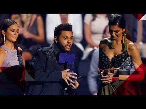 Deepika Padukone HUMILIATED Internationally For Fashion Faux Pas | Bollywood News