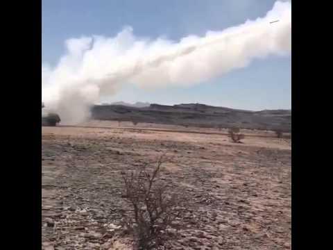 فيديو: راجمة صواريخ سعودية تمطر مواقع الحوثيين بصعدة
