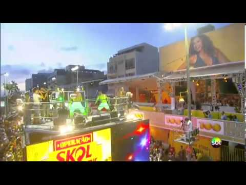 SBT Folia 2013 - Largadinho, de Claudia Leitte, agita multidão