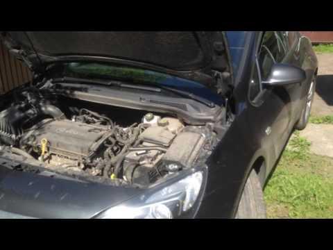 Смотреть Замена ламп ближнего света Opel Astra H, J и GTC видео