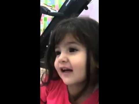 suara lucu anak kecil baca qur'an