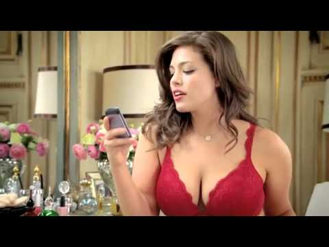 Propaganda de lingerie banida da TV porque modelo  Gorda