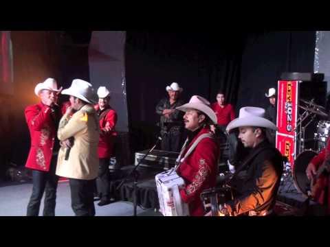 LOS INVASORES DE NUEVO LEON Y HEREDROS EN EL MISMO ESCENARIO '' LA VIVIANA ''
