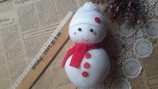 Video 16: Hướng dẫn làm người tuyết từ tất / Make a snowman from socks