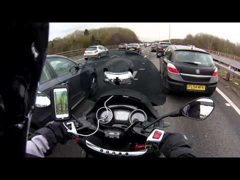 #16 Filtering on the M25 on a 2015 Piaggio MP3 500 Sport