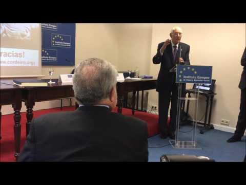 El Presidente Consejo de Estado, Excmo. José Manuel Romay Beccaría