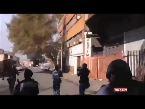 Cops fire rubber bullets at vigilante gang