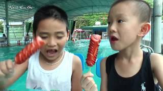 Bé Dương và bạn Bo tắm bể bơi trẻ em❤Kênh Em Bé