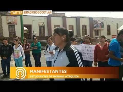 SEÑAL INFO / Marchan normalistas de Atequiza y estudiantes del CUCiénega en Ocotlán