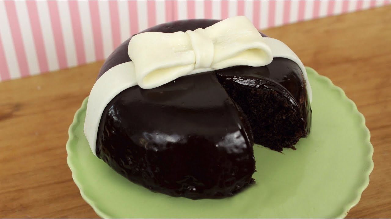 How to Make a Chocolate Ganache Bow Cake! - YouTube