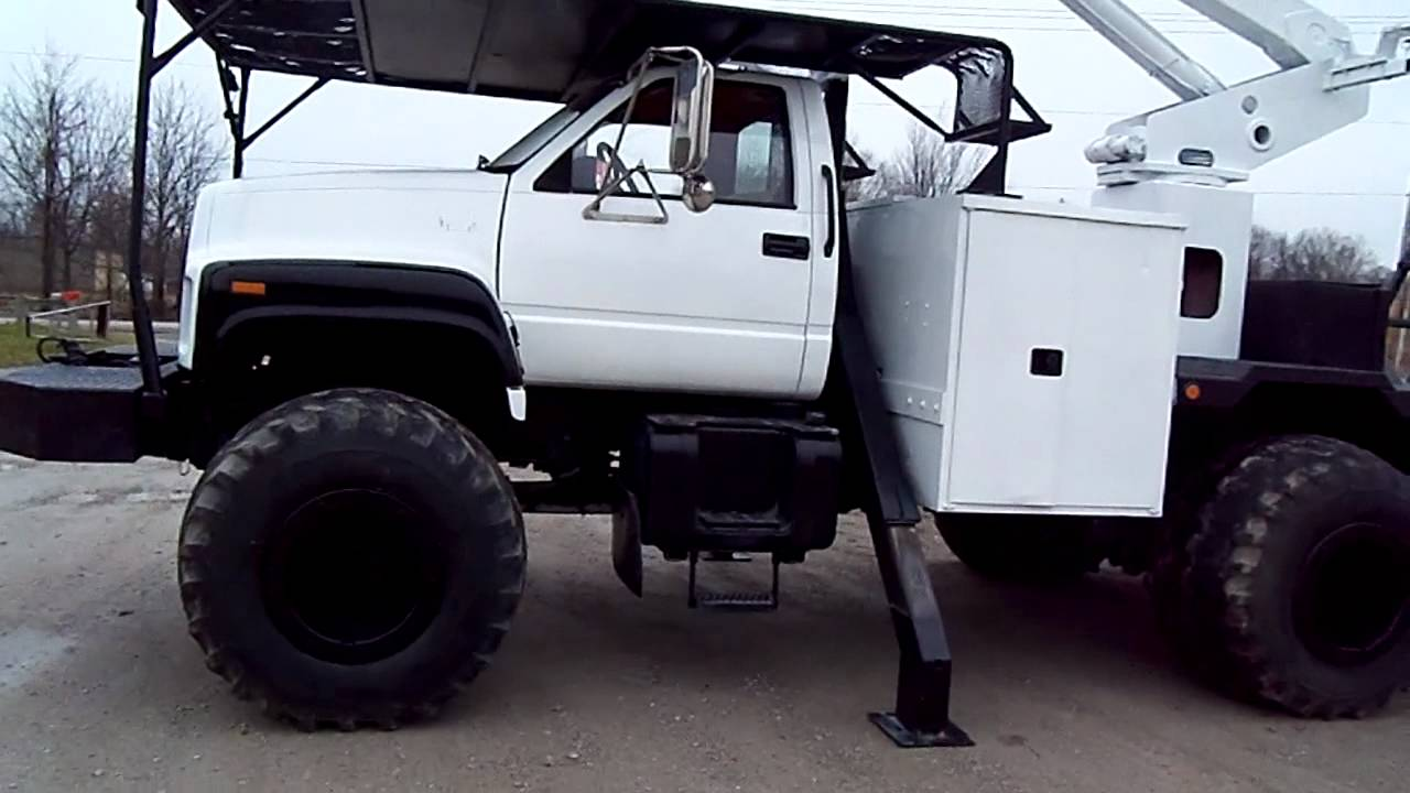 bucket truck 4x4 puddle jumper or regular tires - YouTube
