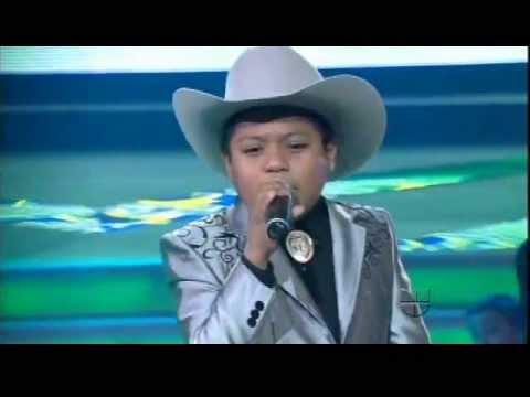 MIGUEL ANGEL cantando
