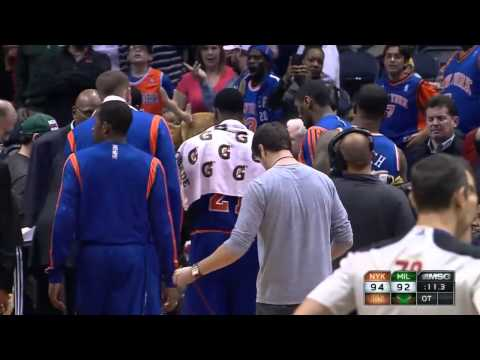 Andrea Bargnani terrible play at the end of Knicks-Bucks 12-18-13