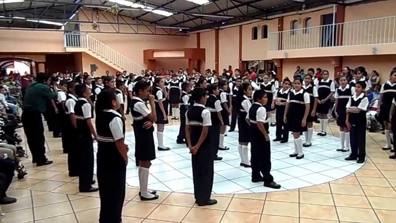 """Poesia coral """"Despedida a mi escuela"""" Generacion 2007-2013 - YouTube"""